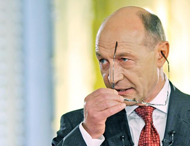 TRAIAN BASESCU FANE 129 652x500 Fostul presedinte Basescu, la Parchetul General