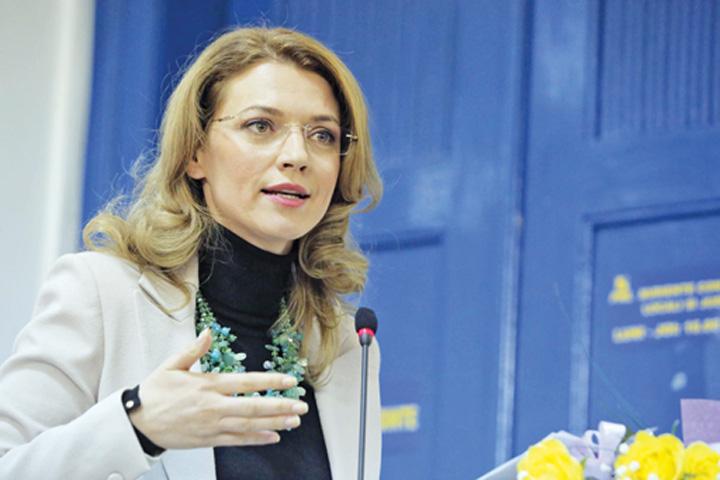 alina gorghiu Gorghiu nu se lasa cand vine vorba de aspiratiile persoanelor condamnate penal catre functii inalte