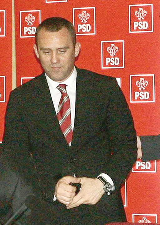 "vlad stoica1 Halalai ii face ""trei in unu"" la  DNA pe Victor Ponta, Dan Sova  si Vlad Stoica!"