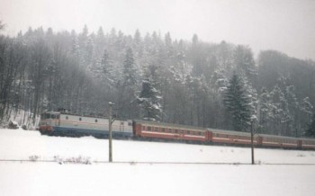 581895 1738705136357703 5221176116823490083 n tren iarna 350x218 CFR: Circulatia trenurilor, adaptata la conditiile vremii nefavorabile