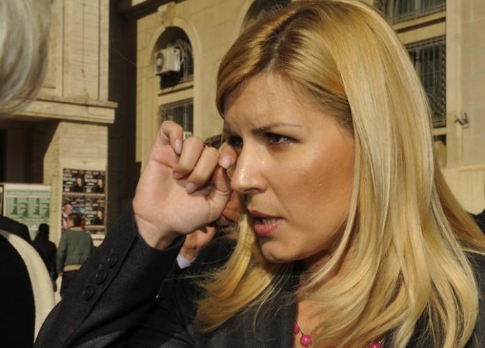ELENA UDREA FANE 129 696x500 Udrea, condamnata in Gala Bute