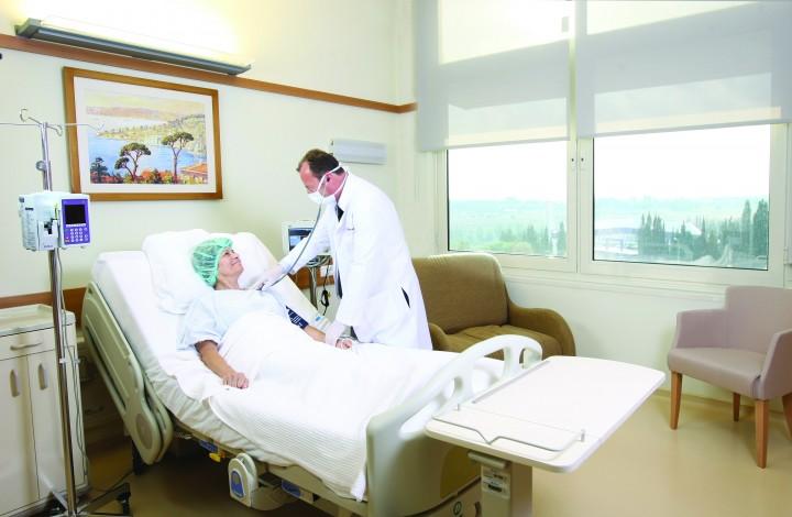 Pacient Anadolu Medical Center 720x470 Premiera! Cancerul poate fi depistat timpuriu doar cu un simplu test de sange!
