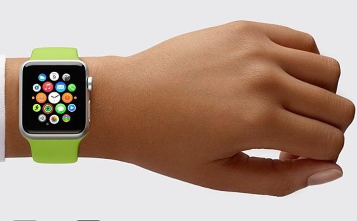 apple watch 4 Destepti! Romanii au dat 14,5 milioane de lei pe ceasuri inteligente