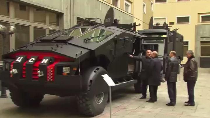 batmobil Putin a inspectat Batmobilul FSB