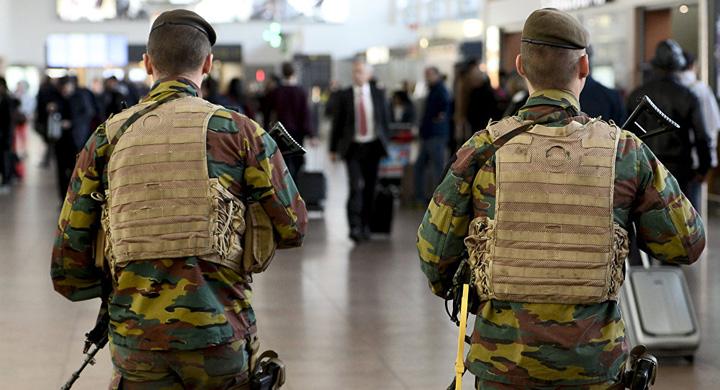 belgia Zece jihadisti arestati in Belgia
