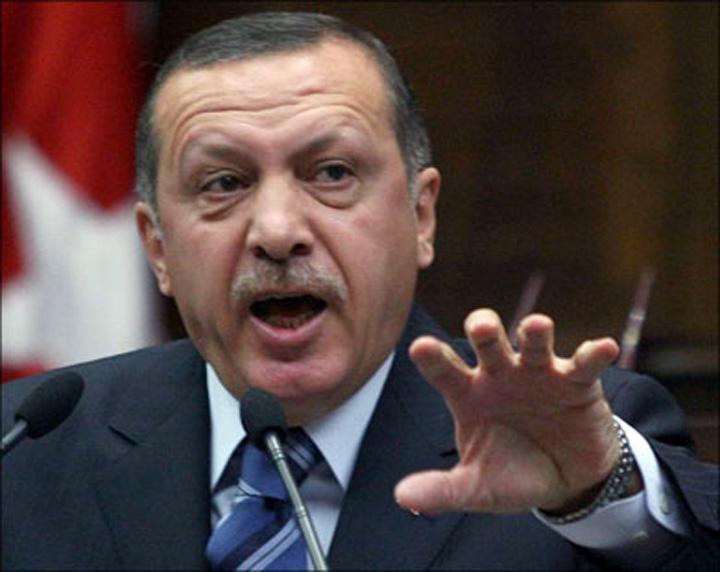 erdogan1 Erdogan pune gaz pe foc