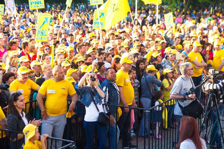 galben Planul nebunesc al baronilor de a castiga alegerile pe sestache!
