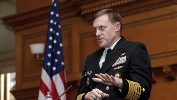 michael rogers Directorul NSA: Fara criptare, atentatele din Paris nu ar fi avut loc