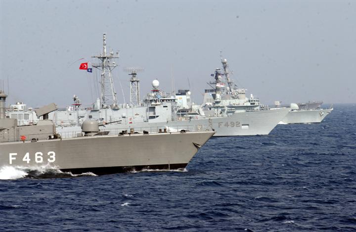 nave nato NATO se implica in criza refugiatilor in Marea Egee