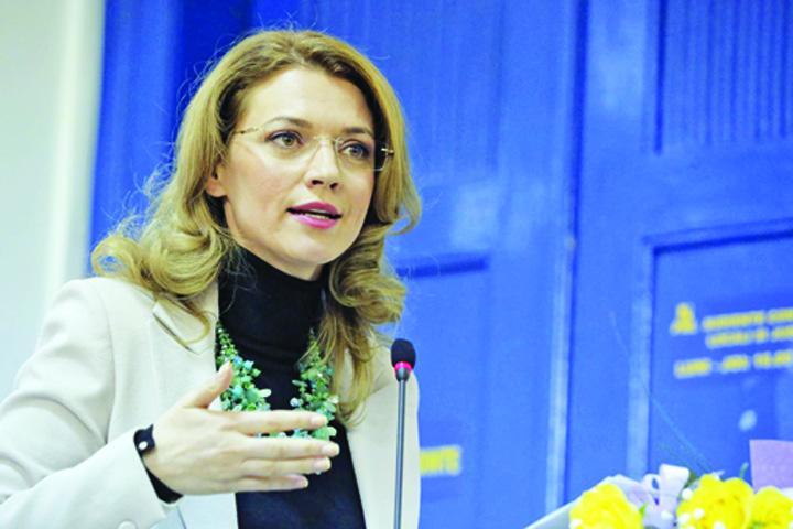 alina gorghiu 21 Liberalii sustin platforma lui Ciolos, dar amana mitingul de sambata