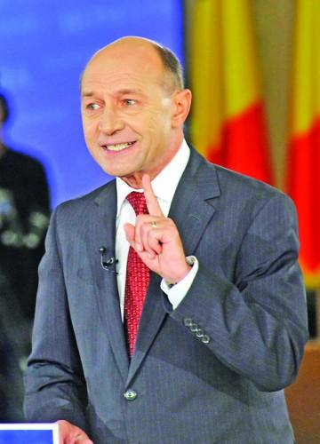 TRAIAN BASESCU FANE 257 360x500 Basescu s a dezlantuit: Le umpleam botul de sange pe loc