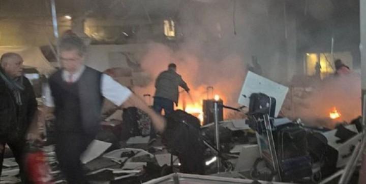 cmd xbdwqaahdzz 27642300 720x363 Atentat la Istanbul: zeci de morți, peste 60 de răniți. Victor Ponta, lângă Ataturk!