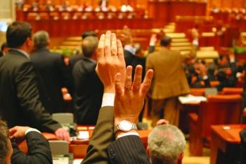 camera deputatilor 350x233 Unda verde pentru legile Justitiei, la Camera. PNL, gata sa se adreseze CCR