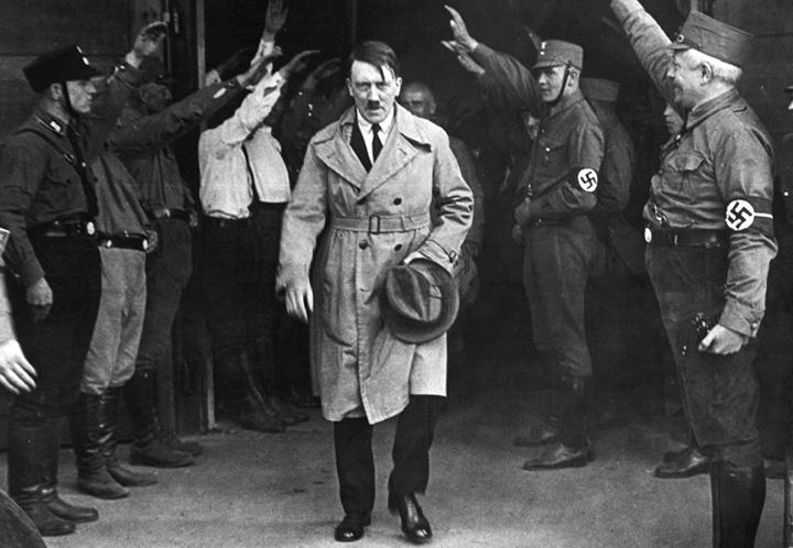 7106028925 c6f5266b87 o Hitler a invadat Franta cu ajutorul drogurilor