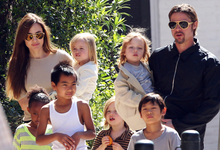 Brangelina 1 Angelina si Brad nu isi puteau controla copiii: Anarhie si haos
