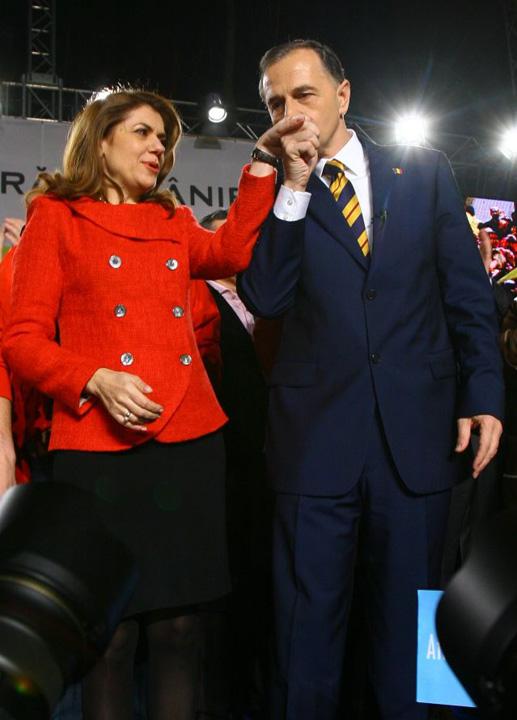 """Familia Geoana Tehnocratul de la Sanatate, pionul """"mafiei medicamentelor""""!"""