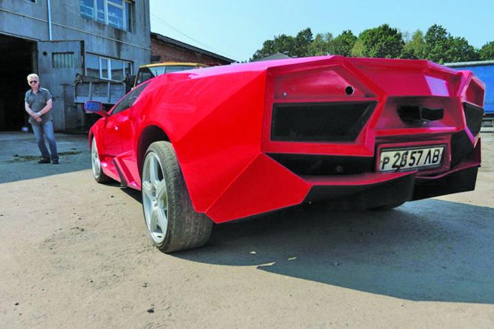 LAMBORGHINI Si a construit propriul Lamborghini