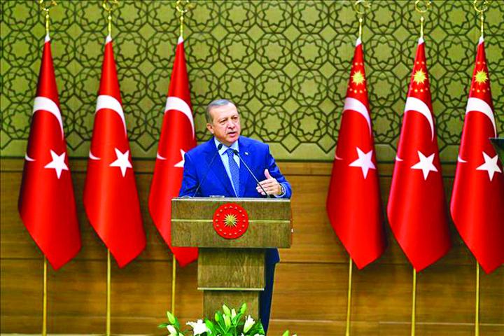 erdogan1 Ministerul Apararii va avea 60% civili