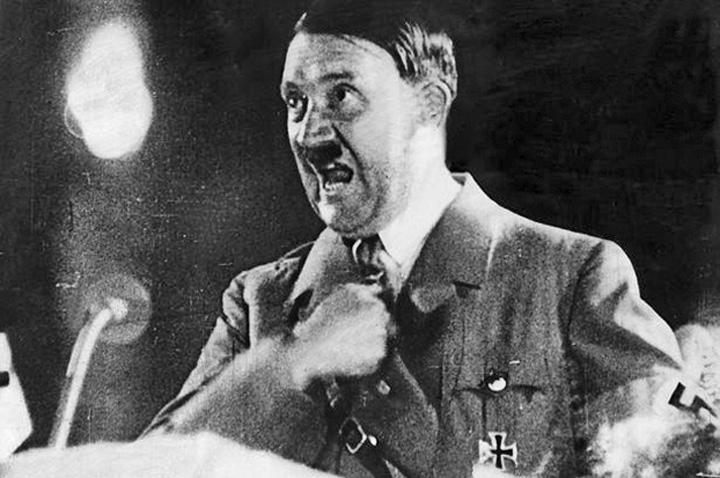 hitler medalion Hitler a invadat Franta cu ajutorul drogurilor