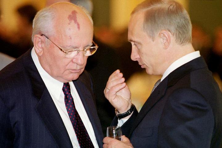 putin gorbaciov Putin: Nu era necesara destramarea URSS