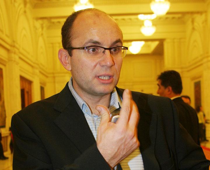 COZMIN GUSE FANE 91 Cozmin Gusa, viitorul prim ministru
