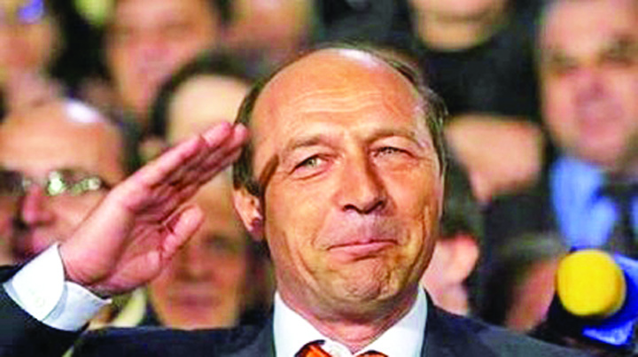 Traian Basescu S A Dus Baut La Ambasada Base, fii barbat! Da te arestat!