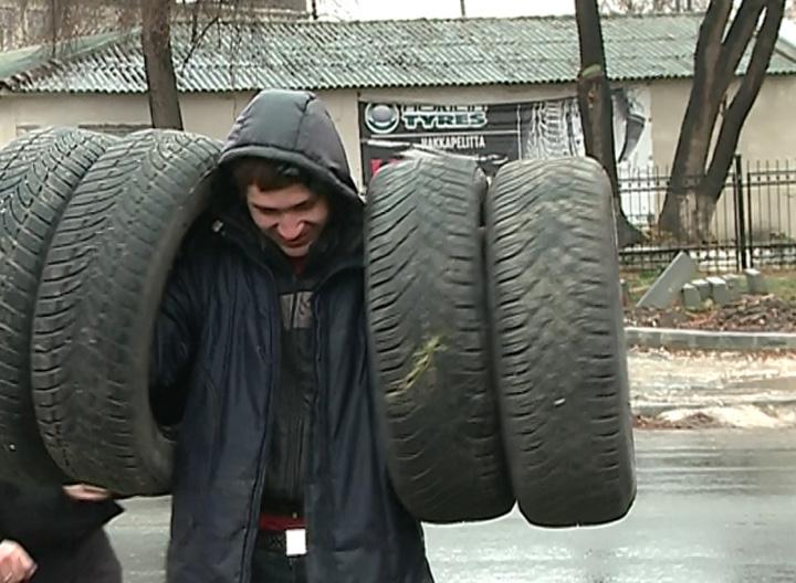 caucioace A inceput nebunia anvelopelor de iarna