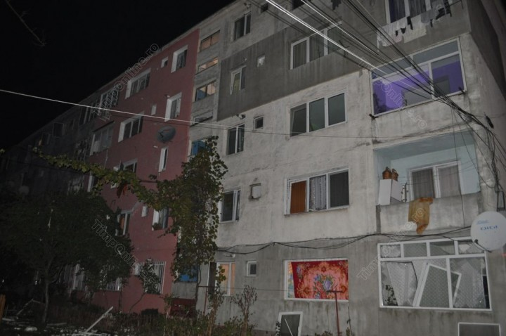 explozie 720x478 Explozie: mai multi raniti si zeci de apartamente afectate, intr un bloc din Bistrita