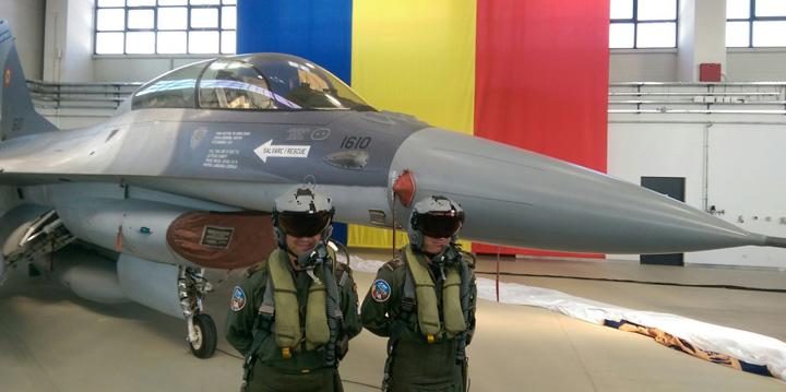 f 16 Flotila F16, luata cu ochii inchisi