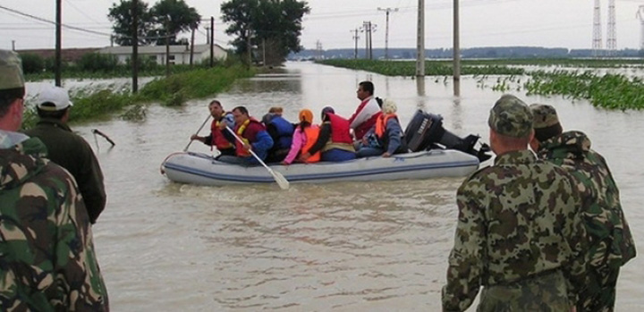 inundatii galati meteo Romania sta intr un singur elicopter la calamitati!