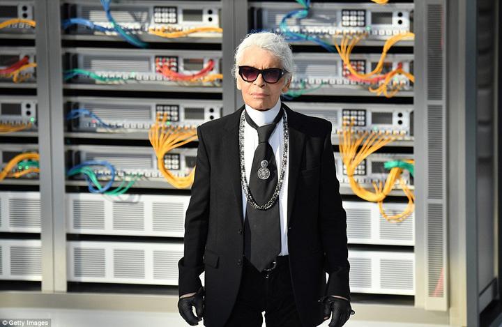 karl lagerfeld Karl  Lagerfeld isi trage lant hotelier