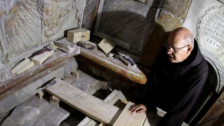 mormant Mormantul lui Iisus, deschis prima data dupa 1810