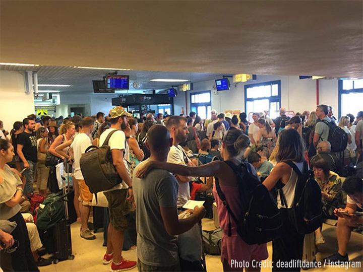 santorini airport N avem loc nici in Top 10 cele mai proaste aeroporturi din Europa!