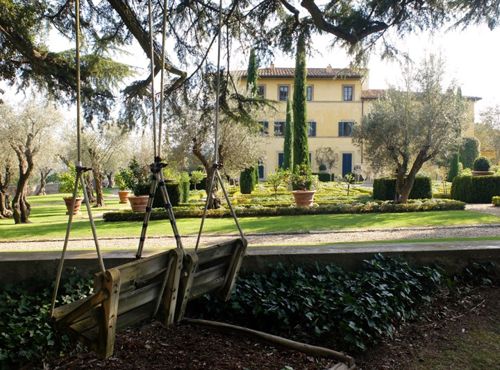 sting Imigranti, exploatati la ferma lui Sting din Italia
