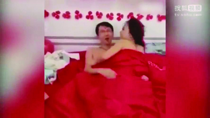 11 Apocaliptic! Mirii, fortati sa se dezbrace si sa mimeze actul sexual in fata nuntasilor
