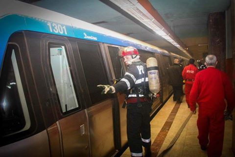 14909934 1631123900246829 1459625280146193534 n control metrou Problema la metrou. Trenurile n au mai oprit o perioada la Universitate