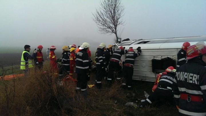 15109624 1243362155726247 4034683728367727169 n accident sindrilita 720x406 3 oameni au murit si 15 au fost raniti intr un accident de microbuz, la Sindrilita (FOTO)