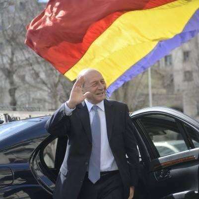 15135729 1432332833446930 64821748767816624 n basescu Basescu, la Chisinau: Am trecut frontiera din tara mea in tara mea/Mesajul catre Dodon