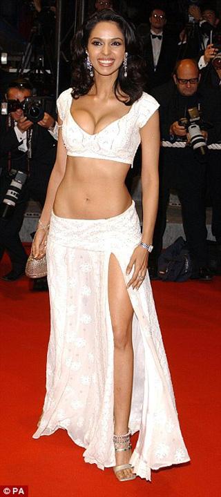 Bollywood Kim Kardashian 2: gazata si batuta in mijlocul Parisului