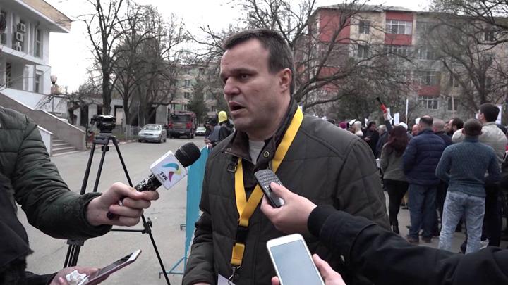 Eugen Parvulescu PSD ascunde mita electorala sub sutanele popilor