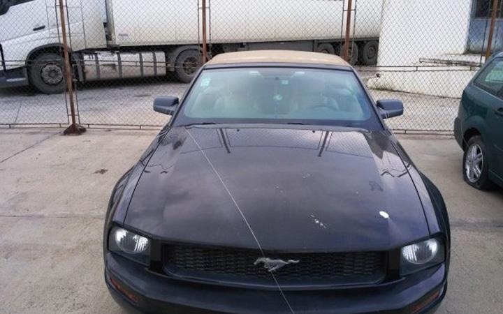Ford Mustang ANAF scoate la vanzare supermasini pe bani de Logan