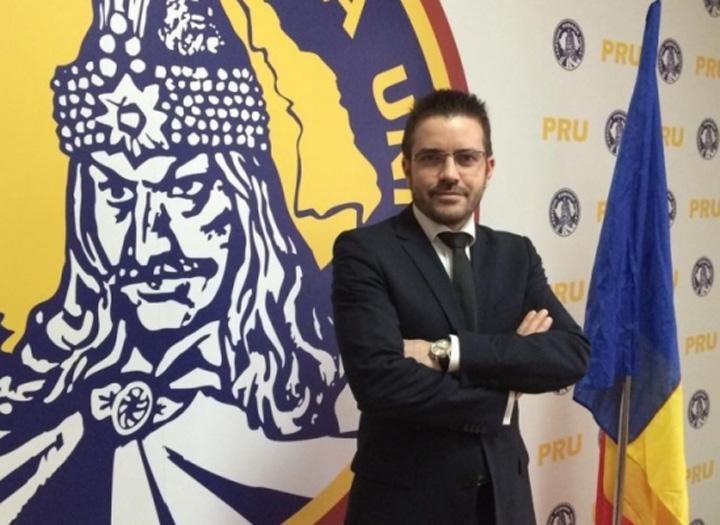 PRU diaconu Urmasii lui Vlad Tepes, cumparati ca la piata cu smartphone uri