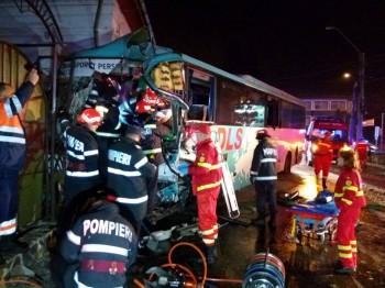 accident autocare 350x262 Accident cu 17 raniti   doua autobuze s au ciocnit, la Pitesti