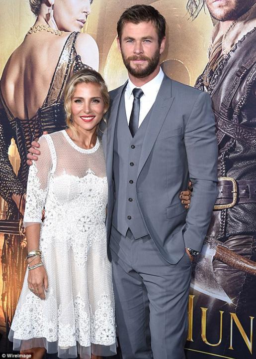 barbatul anului de revista gq 209960 Actorul Chris Hemsworth, sotul unei romance, este barbatul anului
