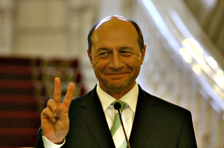 basescu victorie Ies la iveala mizeriile lui Basescu