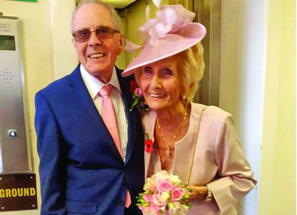 batrani Dupa 65 de ani s au reintalnit si casatorit!