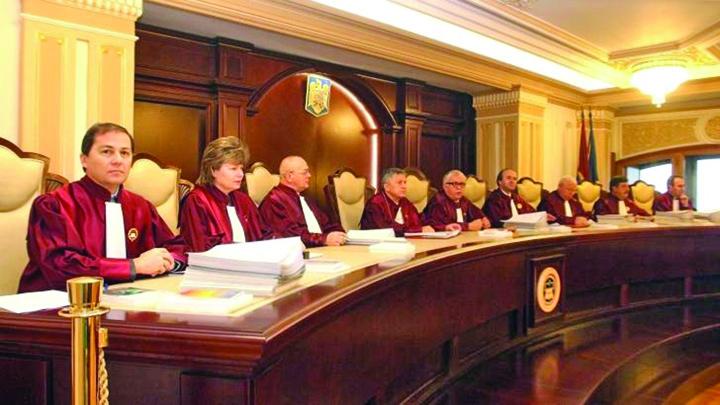 curtea constitutionala CCR nu i lasa pe plagiatori sa scape ieftin
