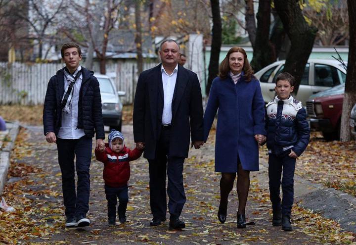 dodon Prezidentiale in Republica Moldova: Rusia sau UE?