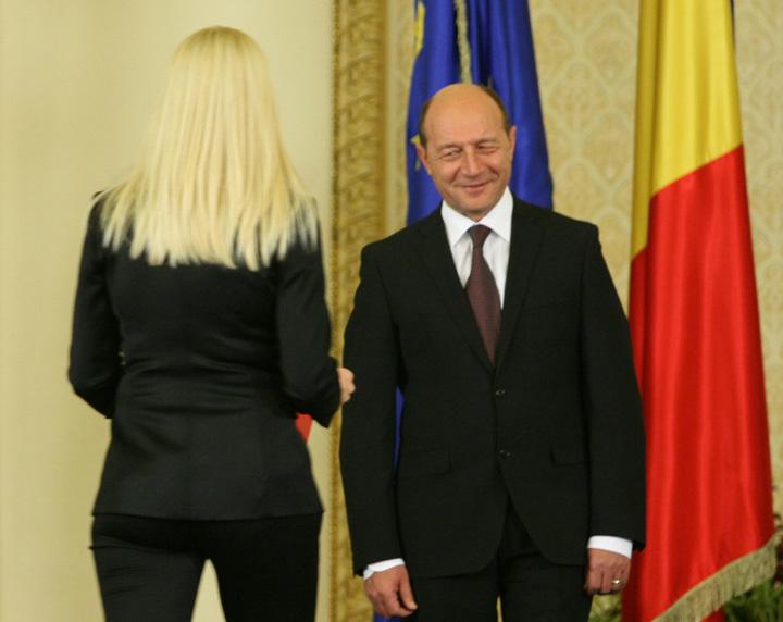 elena udrea traian basescu.mcvb3o0rf6 Femeile lui Basescu care au umilit Romania!