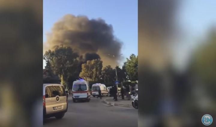 expl 720x423 Atac cu masina capcana in Turcia, soldat cu morti si raniti (VIDEO)